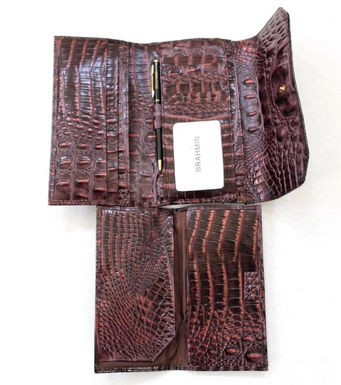 Brahmin Brahmin Fig Chapelle Genuine Croc-Embossed Leather Soft Checkbook Image 3