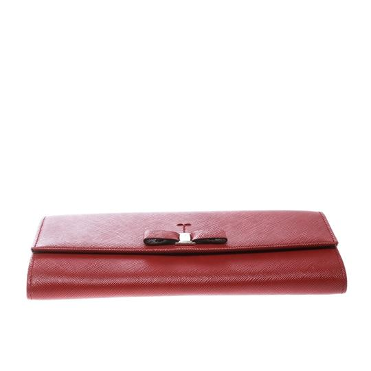 Salvatore Ferragamo Red Leather Vara Bow Continental Wallet Image 4
