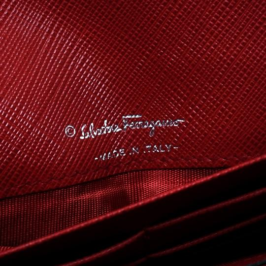 Salvatore Ferragamo Red Leather Vara Bow Continental Wallet Image 6