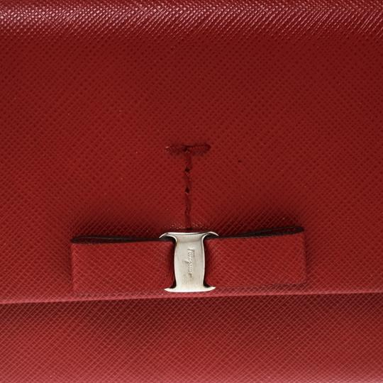 Salvatore Ferragamo Red Leather Vara Bow Continental Wallet Image 9