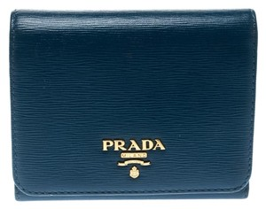 e0eaf59c97b30 Prada on Sale - Up to 70% off at Tradesy