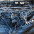 Miss Me Capris distressed denim Image 5