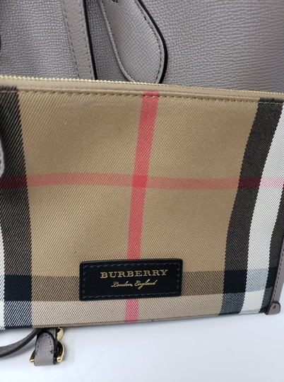 Burberry Tote in Gray Image 10