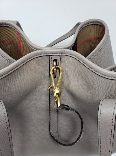 Burberry Tote in Gray Image 7