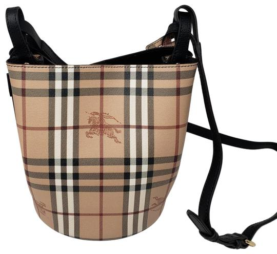 Preload https://img-static.tradesy.com/item/25330465/burberry-haymarket-bucket-creamblack-cross-body-bag-0-1-540-540.jpg