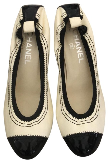 Item - Black and White Heels Wedges Size US 8.5 Regular (M, B)