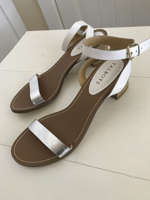 Item - Silver and White Sandals Size US 9 Regular (M, B)
