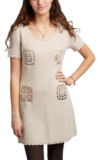 Preload https://img-static.tradesy.com/item/25333754/moschino-beige-women-s-cashmere-wool-italy-new-42-short-casual-dress-size-4-s-0-1-650-650.jpg