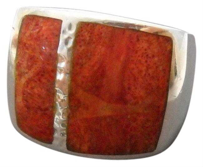 Item - Coral R1430 Retired Size 8 Ring