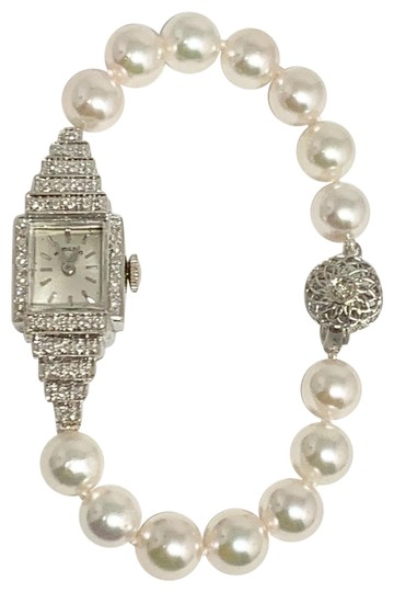Preload https://img-static.tradesy.com/item/25334626/white-art-deco-diamond-and-akoya-watch-05-06-19-necklace-0-18-540-540.jpg