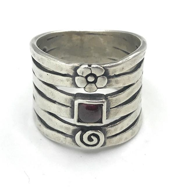 Item - Silver R1048 Sterling Garnet Hammered Cuff Size 7.5 (K) Ring