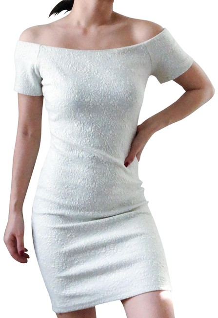 Preload https://img-static.tradesy.com/item/25334934/chelsea-and-violet-white-off-shoulder-bodycon-short-cocktail-dress-size-0-xs-0-1-650-650.jpg
