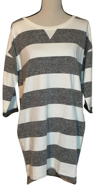Preload https://img-static.tradesy.com/item/25335160/ellison-grey-and-white-stripped-jersey-short-casual-dress-size-14-l-0-2-650-650.jpg