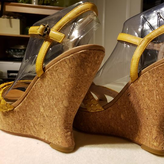 House of Harlow 1960 Wedges Image 2