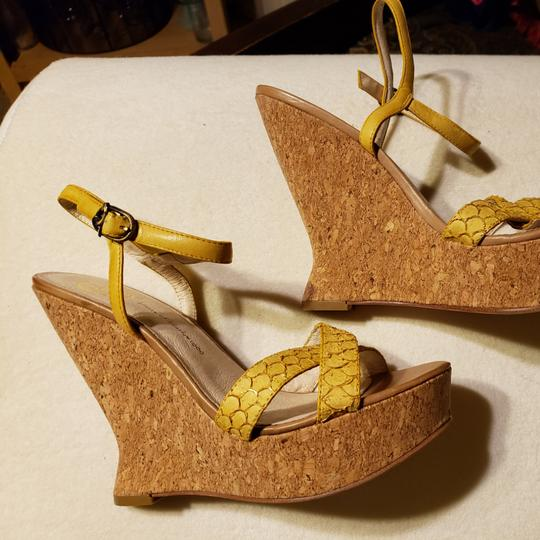 House of Harlow 1960 Wedges Image 7