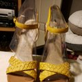 House of Harlow 1960 Wedges Image 8