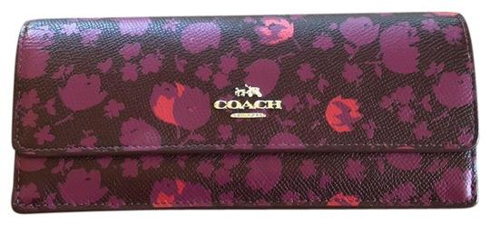 Preload https://img-static.tradesy.com/item/25335678/coach-tri-fold-wallet-0-1-540-540.jpg