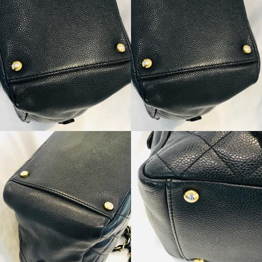 Chanel Tote in black Image 11