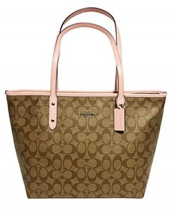 Coach Tote in Khaki Blush