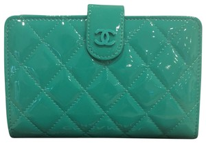 Chanel L - Zip Pocket Wallet in Patent Leather