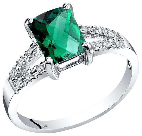 Preload https://img-static.tradesy.com/item/25340495/white-gold-emerald-venetian-ring-0-1-540-540.jpg