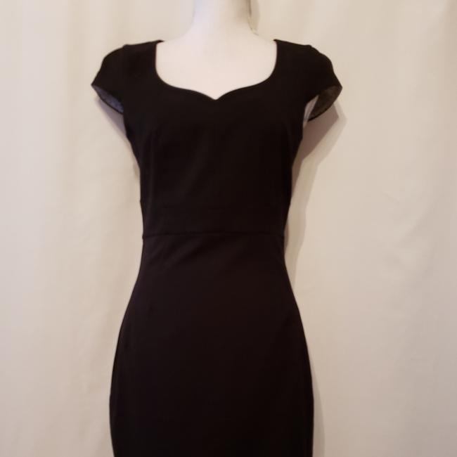 Preload https://item4.tradesy.com/images/h-and-m-black-mid-length-workoffice-dress-size-8-m-25340648-0-0.jpg?width=400&height=650