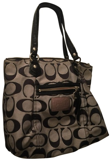 Preload https://img-static.tradesy.com/item/25340698/coach-poppy-handbag-preowned-shows-some-usage-in-the-interior-but-in-overall-good-condition-blackwhi-0-1-540-540.jpg