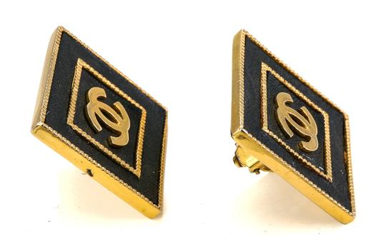Chanel Chanel Vintage Accessories Large Stud Square CC Earrings. Image 4