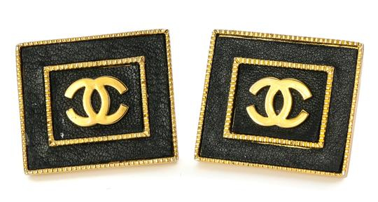 Chanel Chanel Vintage Accessories Large Stud Square CC Earrings. Image 5