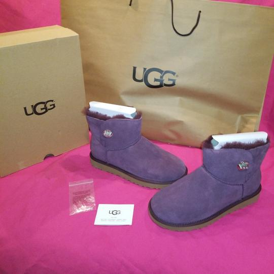 Preload https://img-static.tradesy.com/item/25340840/ugg-australia-port-w-mini-turnlock-bling-bling-bootsbooties-size-us-8-regular-m-b-0-0-540-540.jpg