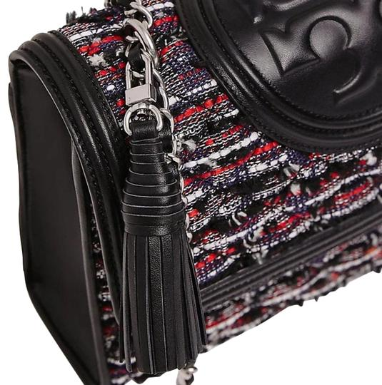 Preload https://img-static.tradesy.com/item/25340850/tory-burch-fleming-small-convertible-52312-multicolor-boucle-lurex-tweed-shoulder-bag-0-1-540-540.jpg