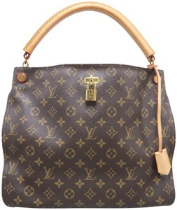 b87acb34f736 Louis Vuitton on Sale - Up to 70% off LV at Tradesy
