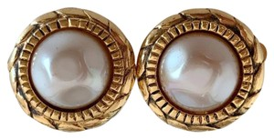 Chanel Chanel gold-tone vintage earrings featuring