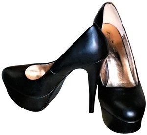 "Anne Michelle Platform 5.5"" Heel. Black Pumps"