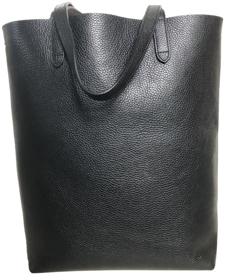 Preload https://img-static.tradesy.com/item/25341909/tall-structured-black-leather-tote-0-1-540-540.jpg