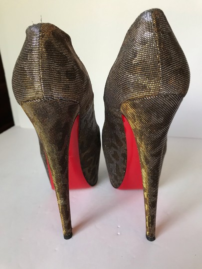 Christian Louboutin gold Pumps Image 10
