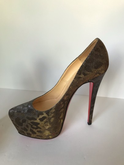 Christian Louboutin gold Pumps Image 11