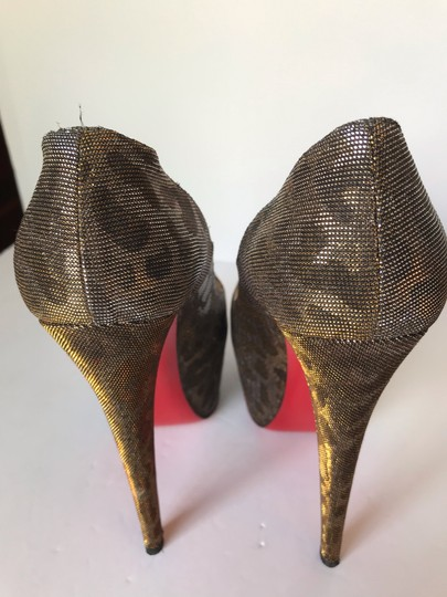 Christian Louboutin gold Pumps Image 8