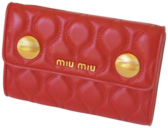 Preload https://img-static.tradesy.com/item/25342196/miu-miu-rosso-new-leather-quilted-womens-made-in-italy-wallet-0-1-540-540.jpg