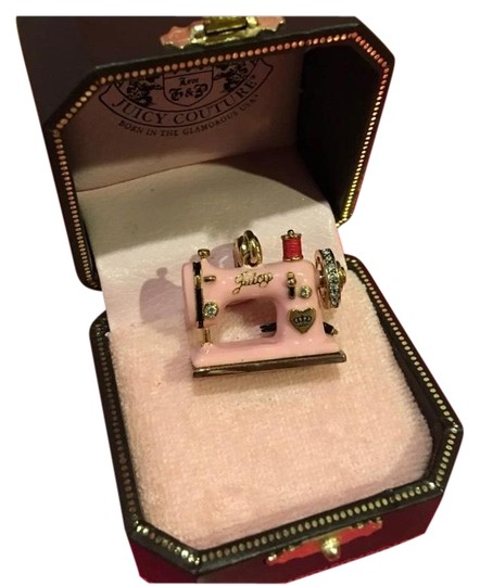 Preload https://img-static.tradesy.com/item/25342547/juicy-couture-pink-new-rare-and-absolutely-pave-sewing-machine-charm-0-1-540-540.jpg