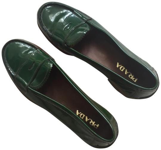 Preload https://img-static.tradesy.com/item/25343110/prada-green-patent-leather-loafers-flats-size-eu-36-approx-us-6-regular-m-b-0-1-540-540.jpg