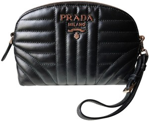 679395c9499f Prada Clutches on Sale - Up to 70% off at Tradesy