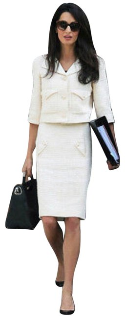 Preload https://img-static.tradesy.com/item/25344323/chanel-cream-ecru-skirt-size-2-xs-26-0-3-650-650.jpg