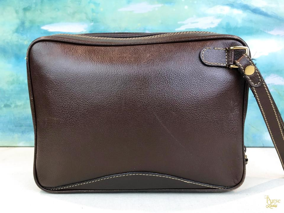 e41a7ed791df88 Gucci Brown Leather Vintage Zip Cosmetic Case Makeup Pouch Image 11.  123456789101112