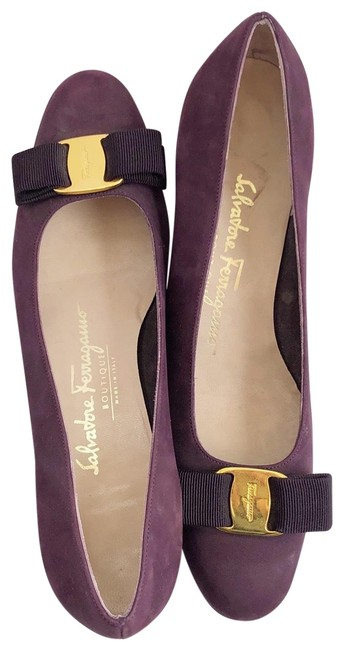 Item - Plum Vera Pumps Size US 7 Narrow (Aa, N)