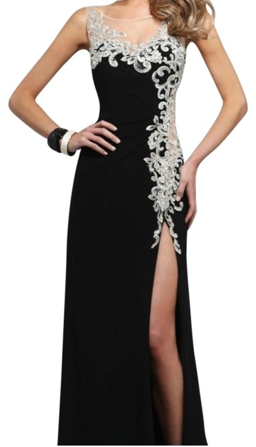 Preload https://img-static.tradesy.com/item/25345253/faviana-black-and-gold-gown-long-formal-dress-size-8-m-0-1-650-650.jpg
