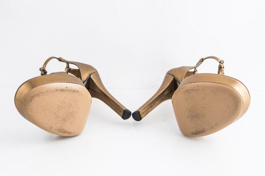 Gucci Gold Sandals Image 6