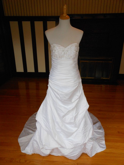Item - White T9577 Destination Wedding Dress Size 8 (M)