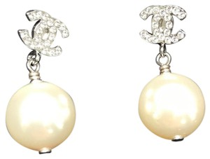 Chanel Chanel Classic Stud Earrings with Pearl