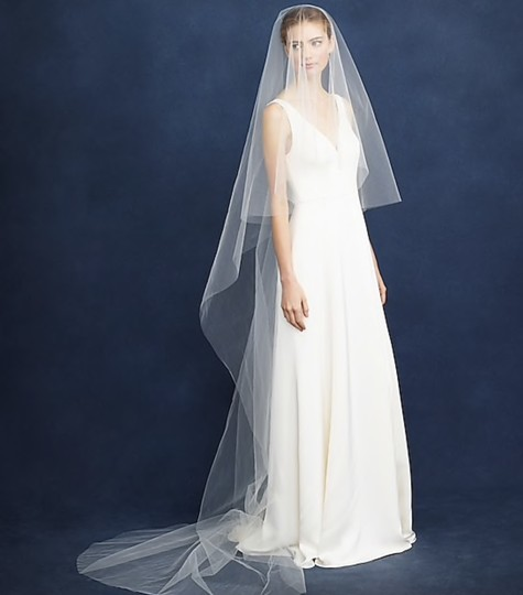 Preload https://img-static.tradesy.com/item/25345525/jcrew-ivory-long-twigs-and-honey-cathedral-c4062-bridal-veil-0-0-540-540.jpg